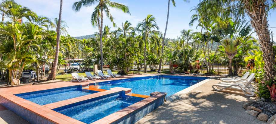 Airlie Beach Motel Unit 2 Person. One Queen Bed