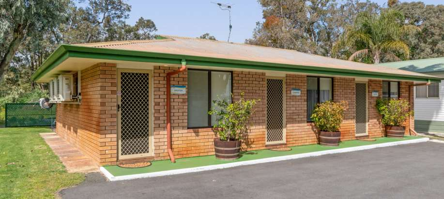 Mandurah Two Room Non-ensuited Chalet