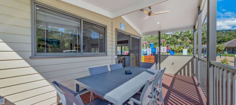 Airlie Beach Whitsunday Coast Deluxe 2 Bedroom Cabin