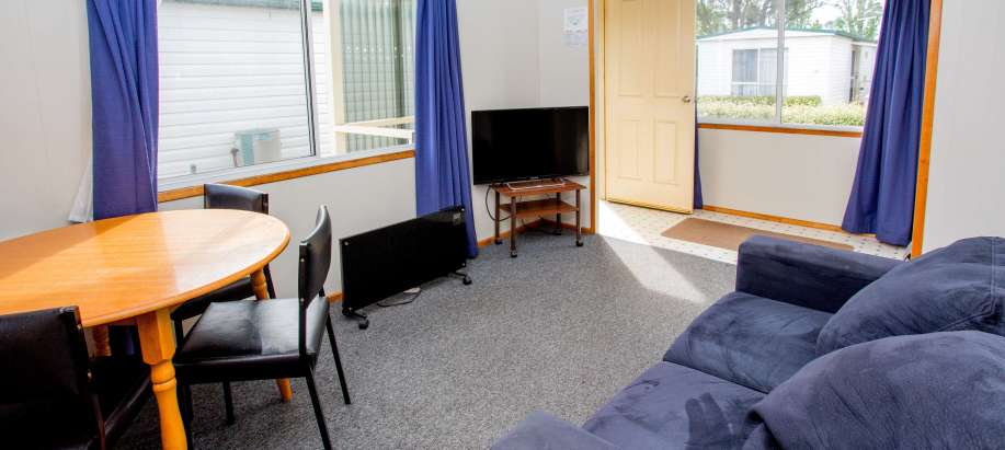 Launceston-Tamar Valley Economy Cabin - Sleeps 4