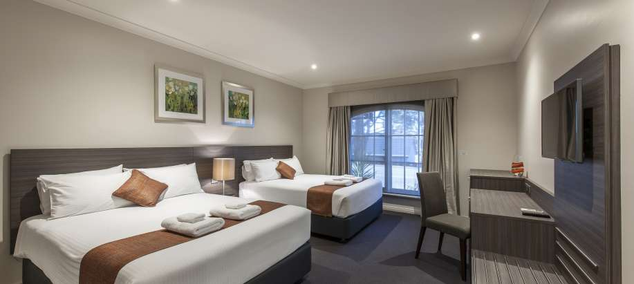 Adelaide Hills Resort Room - 2 Queens (Adult only)