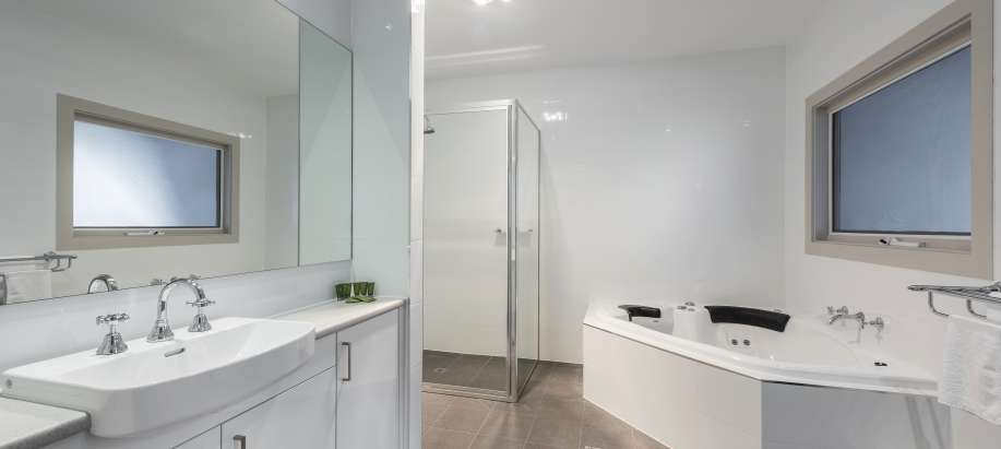 Adelaide Hills Standard 2 Bedroom Spa Unit