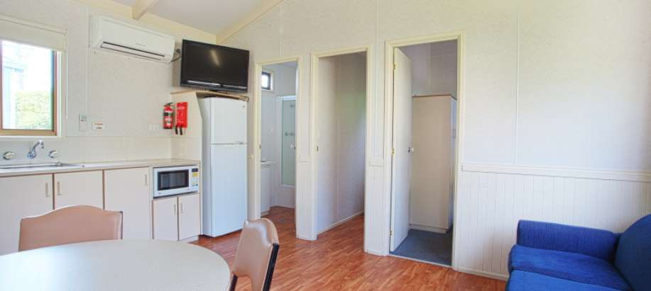 Warrnambool Great Ocean Road Superior Cabin - Sleeps 4