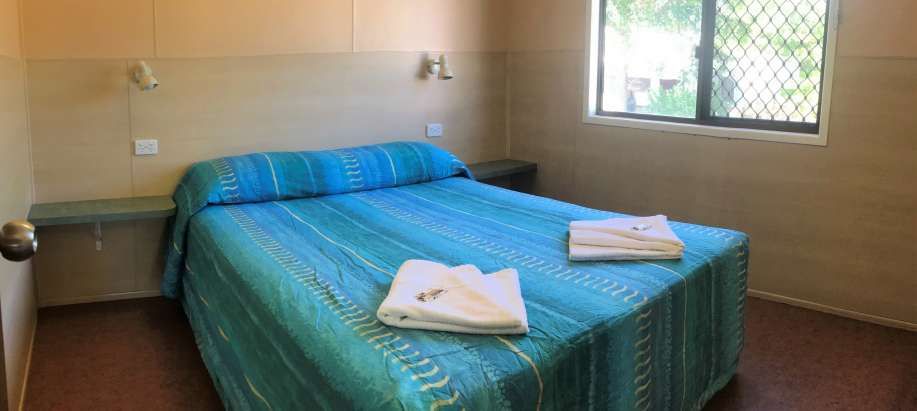 North Queensland Standard 2 Bedroom Cabin (Sleeps 6)