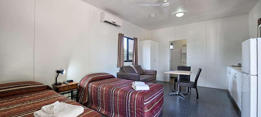 Darwin Standard Studio Cabin