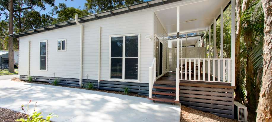 Emerald Beach Coffs Harbour Deluxe 2 Bedroom Cabin
