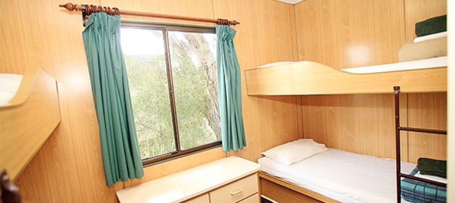 Melbourne Economy Cabin No Ensuite - Sleeps 6