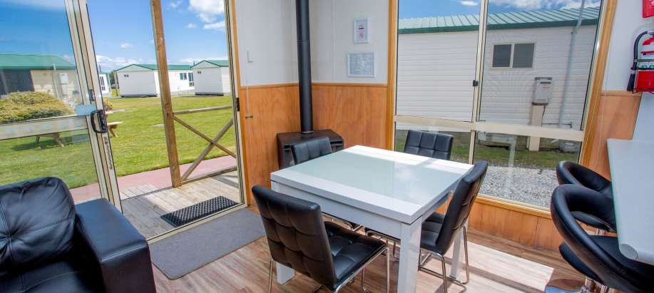 Devonport North West Coast Superior Cottage - Sleeps 4