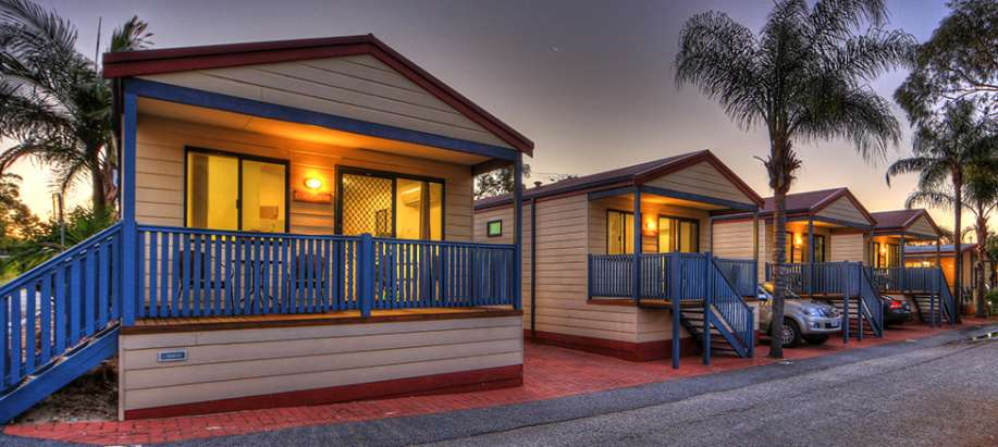 Perth 2 Bedroom Deluxe Cabin