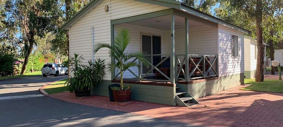 Mandurah Ensuited Park Cabin, Outdoor Lounge