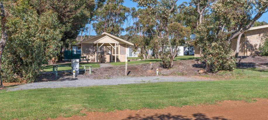 Cheynes Beach - Albany Powered Camping Sites - Tents & Camper Trailers